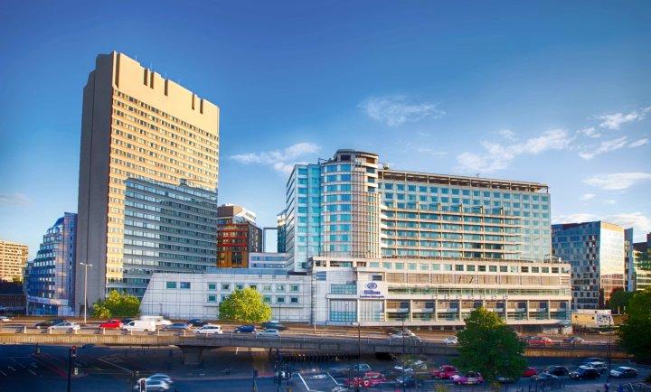 伦敦大都市希尔顿酒店(Hilton London Metropole Hotel)