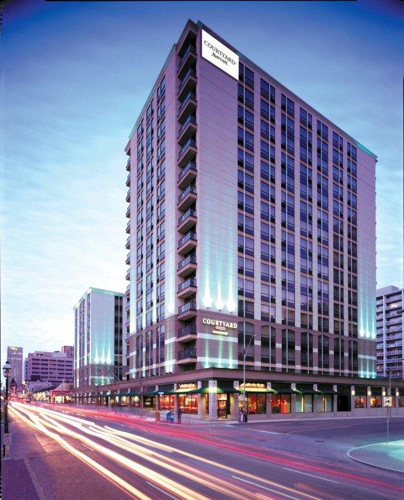多伦多市中心万怡酒店(Courtyard by Marriott Downtown Toronto)
