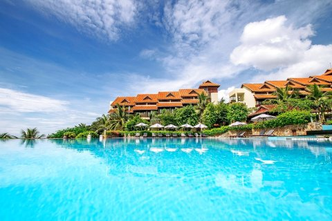 罗曼纳度假水疗酒店(Romana Resort & Spa)