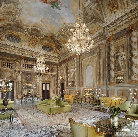锡耶纳欧陆式大酒店 - 星际酒店集团(Grand Hotel Continental Siena - Starhotels Collezione)