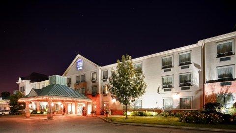 多伦多机场贝斯特韦斯特优质酒店(Best Western Plus Travel Hotel Toronto Airport)