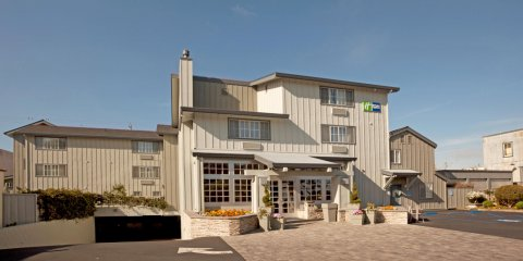 蒙特雷堪内里洛智选假日酒店(Holiday Inn Express Monterey - Cannery Row, an Ihg Hotel)