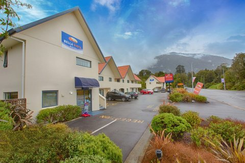 贝拉维斯特汽车旅馆(Bella Vista Accommodation Fox Glacier)
