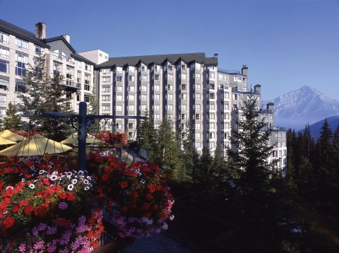 里姆罗克度假酒店(Rimrock Resort Hotel)