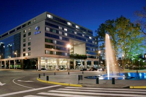 布宜诺斯艾利斯希尔顿酒店(Hilton Buenos Aires)