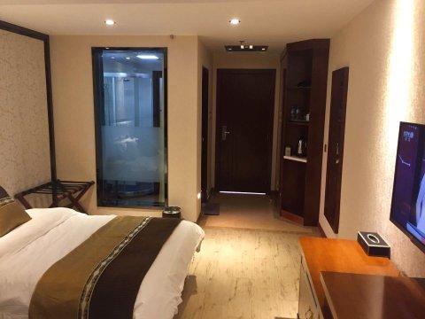新平鑫磊酒店