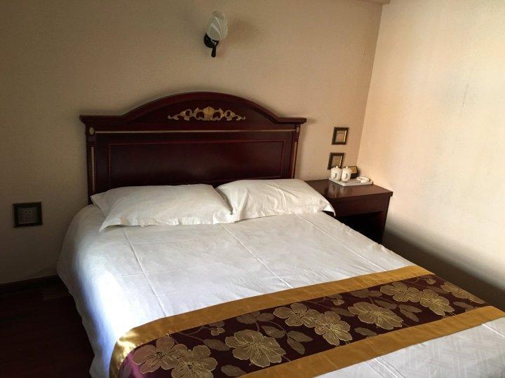阿勒泰枫林晚宾馆