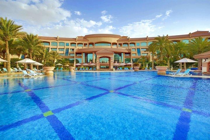 爱尔拉哈海滩酒店(Al Raha Beach Hotel)