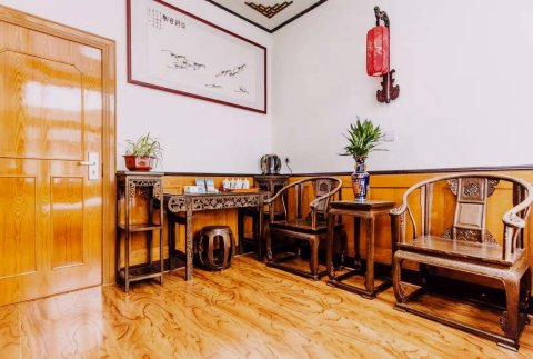 青岛秀峰商务酒店