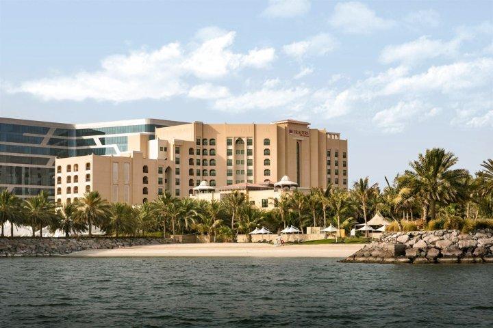 香格里拉阿布扎比科亚特沃伯瑞贸易酒店(Traders Hotel Qaryat Al Beri Abu Dhabi, by Shangri-la)