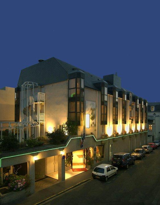 艺术家普莱斯贝斯特韦斯特优质酒店(Best Western Plus l'Artist Hotel)