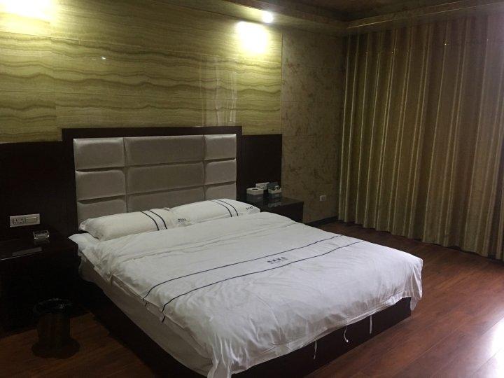 威信锦源酒店