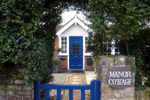 Manor Cottage B&B