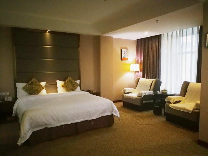 普宁翡翠明珠酒店