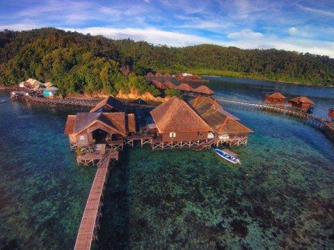 哥打京那巴鲁伽亚娜海洋度假村(Gayana Marine Resort)