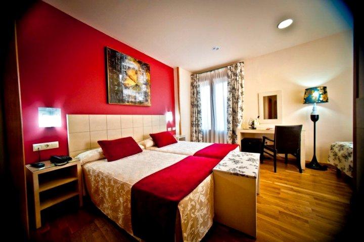 卡斯蒂利亚伯爵酒店(Hotel Condes de Castilla)