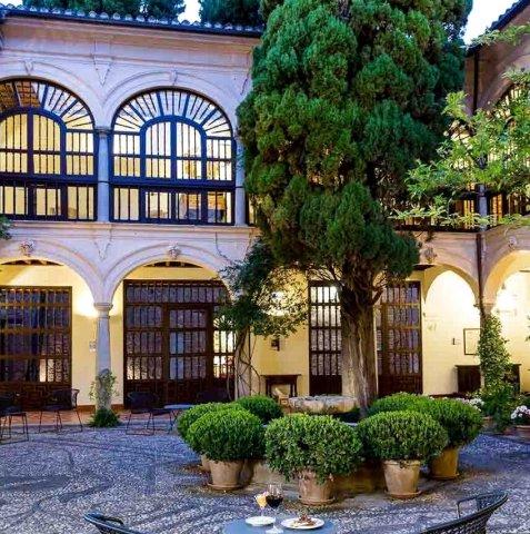 西班牙古堡酒店 — 格拉纳达(Parador de Granada)