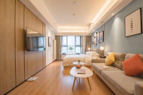 英卓未来公寓智能酒店(郑州东站店)