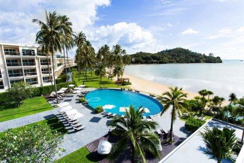 普吉岛皇冠假日攀瓦海滩酒店(Crowne Plaza Phuket Panwa Beach)