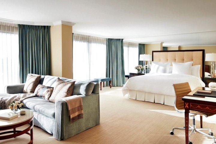 温哥华四季酒店(Four Seasons Hotel Vancouver)