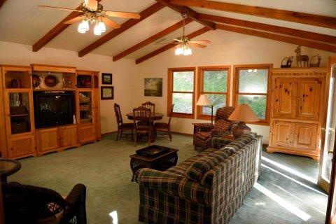 鹿儿度假屋(Deer Mountain Lodge)