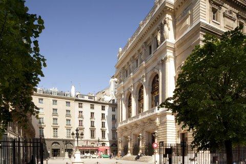 巴黎法瓦尔公馆酒店(La Maison Favart Paris)