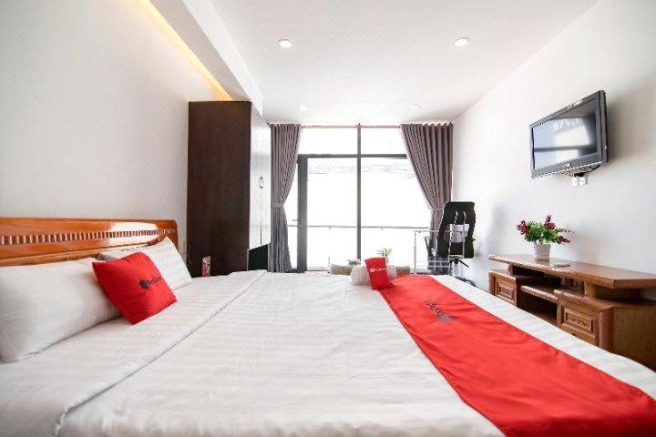 2号公园附近红门酒店(RedDoorz Plus near Hoang Van Thu Park 2)