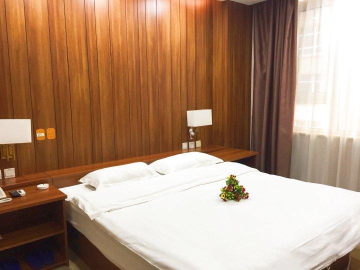 平山滨河商务酒店