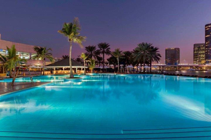 阿布扎比海滩罗塔纳住宅酒店(Beach Rotana Residences Abu Dhabi)