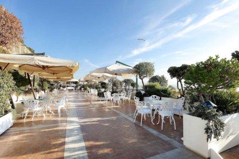 那不勒斯艾克塞尔西亚欧洲之星酒店(Eurostars Hotel Excelsior Naples)