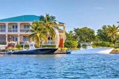 基韦斯特港海滨套房(Key West Harbour Oceanfront Suites)