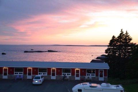 克利夫蒂湾汽车旅馆(Clifty Cove Motel)