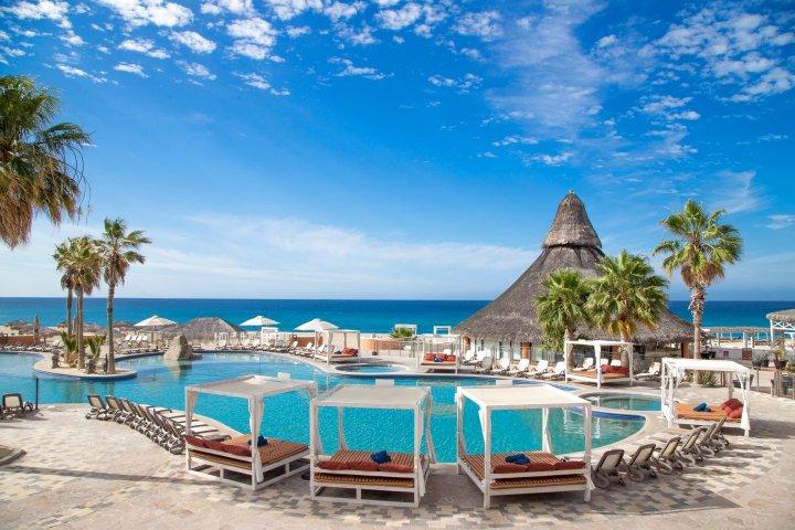 桑多思菲尼斯特拉全包式酒店(Sandos Finisterra All Inclusive)