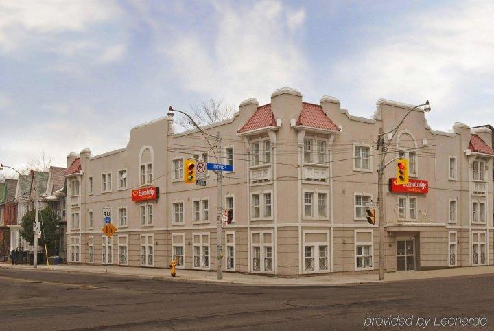 生态旅馆和套房(Econo Lodge Inn & Suites Downtown)