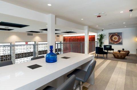 硅谷青鸟套房酒店(Bluebird Suites in Silicon Valley)