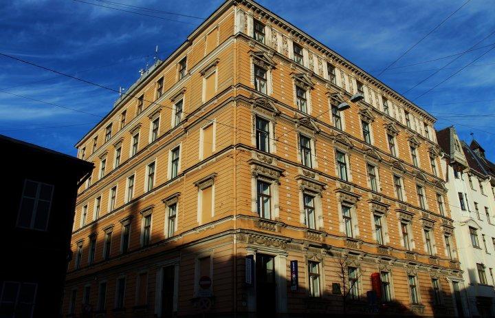 贝尔斯理市中心公寓(Bearsleys Downtown Apartments)
