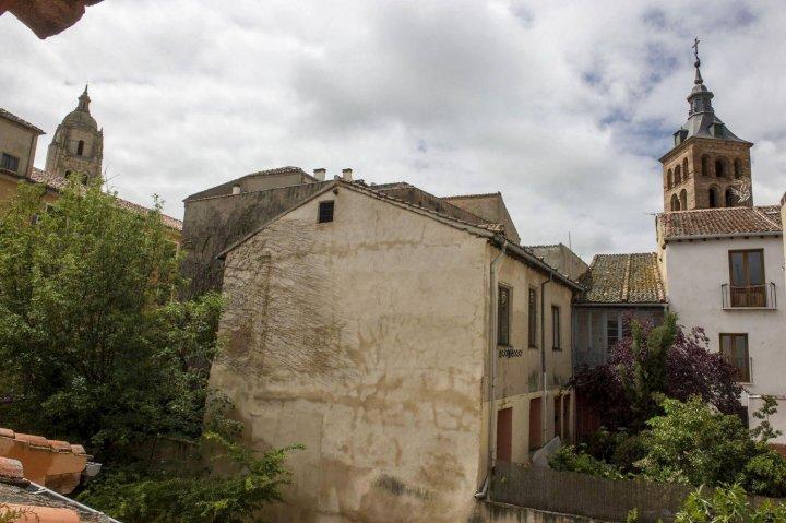 维拉德花园酒店(Jardin de Velarde)