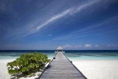 巴塔拉岛度假村(Bathala Island Resort)