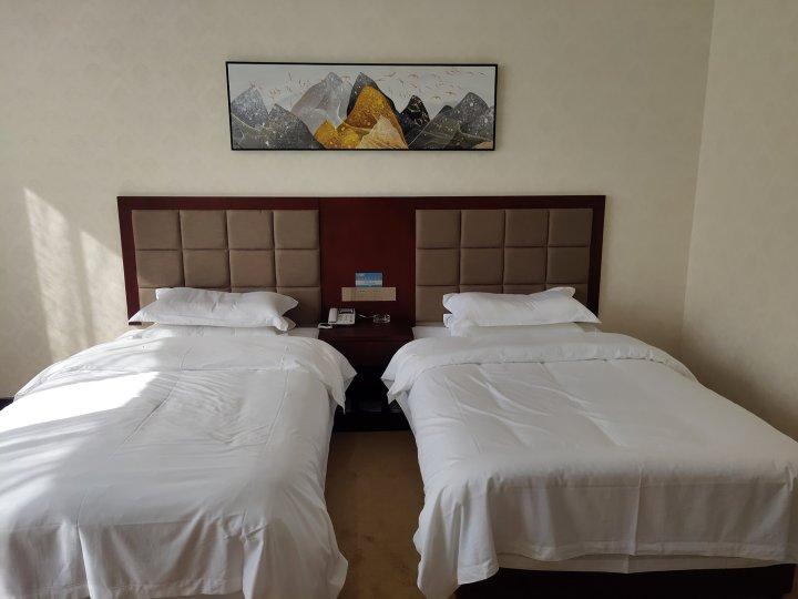吴堡一品盛世大酒店