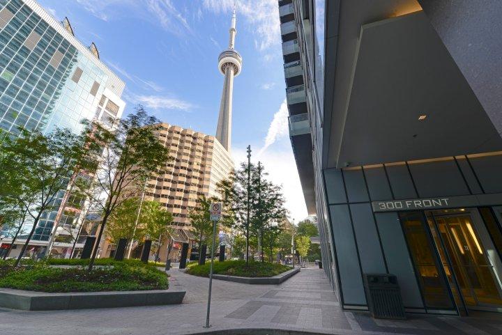 多伦多市区公寓(Urban Flats Toronto at 300 Front Street)