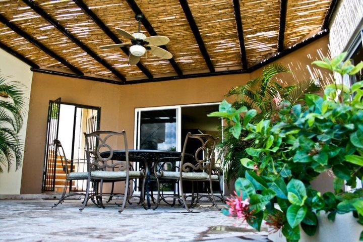 卡波乔拉图克别墅酒店(Tooker Villa La Jolla de Los Cabo)