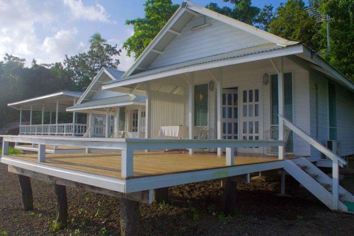 漂流木度假村(Driftwood Resort)