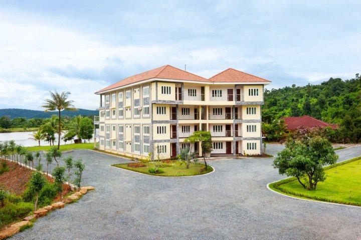 塔塔滨海塔度假村(Tatai Resort & Marina)