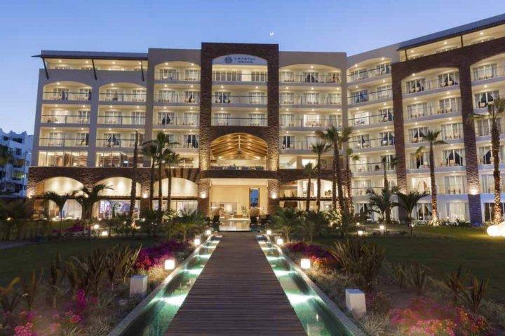 洛斯卡沃斯海滩旅馆(Hotel Playa del Sol Los Cabos)