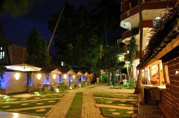 提纳亚酒店(Hotel Tinaya)