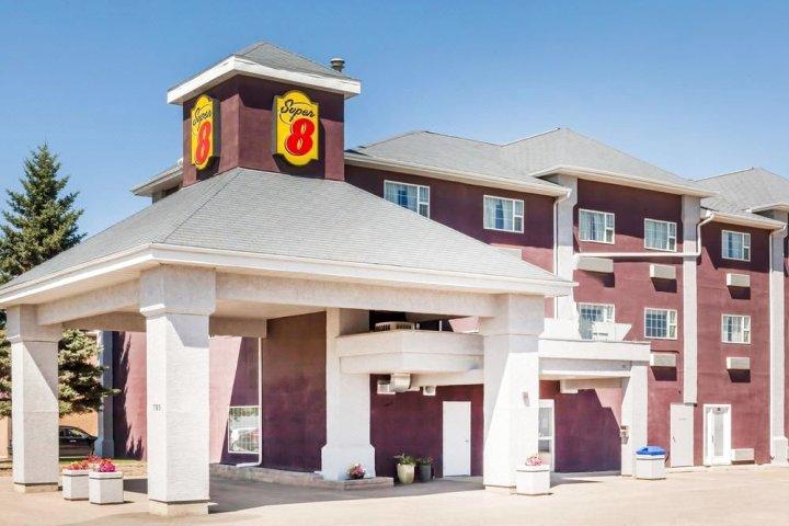 邻近萨斯卡通机场温德姆速 8 酒店(Super 8 by Wyndham Saskatoon Near Saskatoon Airport)