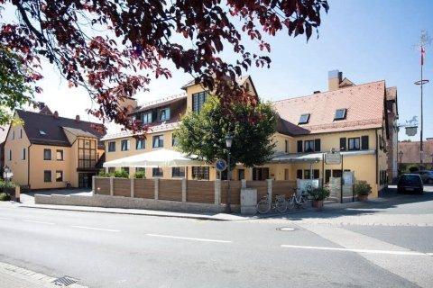 加斯托夫伟赛斯罗斯酒店(Hotel-Gasthof Weisses Ross)