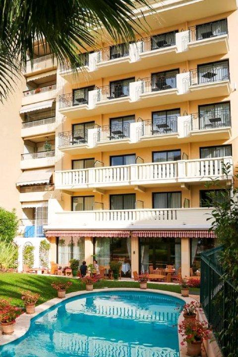太阳里维拉酒店(Sun Riviera Hotel)