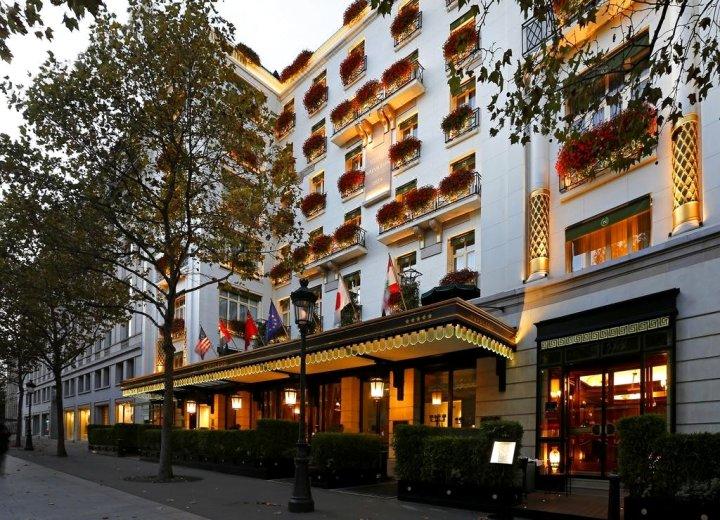 巴黎拿破仑酒店(Hotel Napoleon Paris)