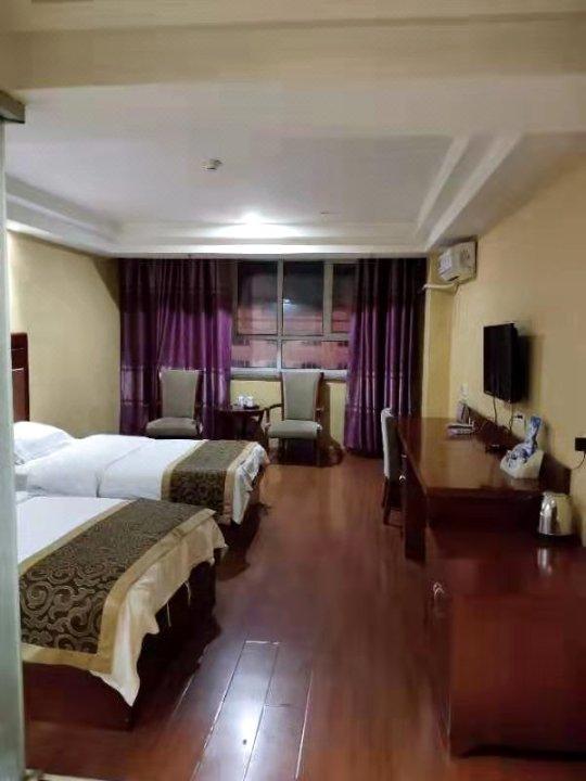 麦盖提川渝商务酒店